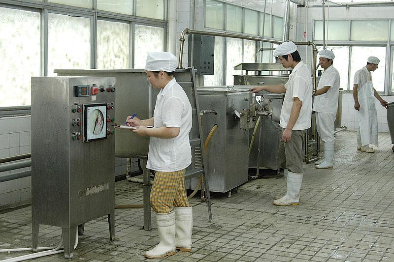 [图文]真德公司熟食生产车间加足马力为顾客带去美味
